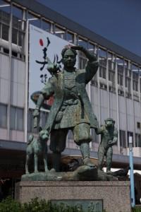 桃太郎の銅像