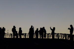 天の川を撮影してる人々