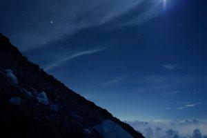 山から見るオリオン座