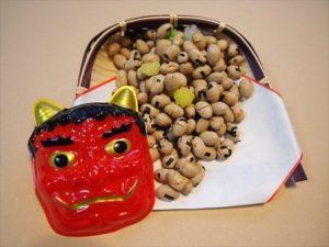 鬼のお面と豆